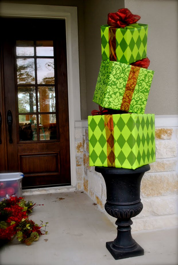 30 amazing outdoor christmas decoration ideas inspired luv Outside xmas decorations ideas