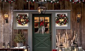 Outdoor Door & Beam Christmas Decoration