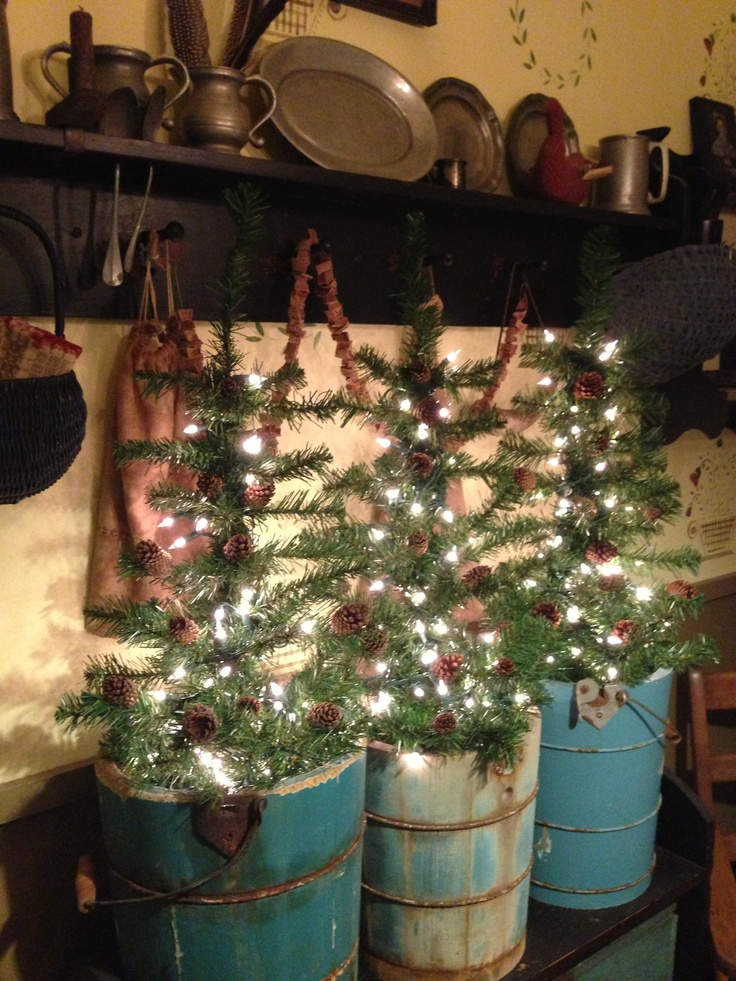 primitive country christmas decorating - Country Christmas Decorations