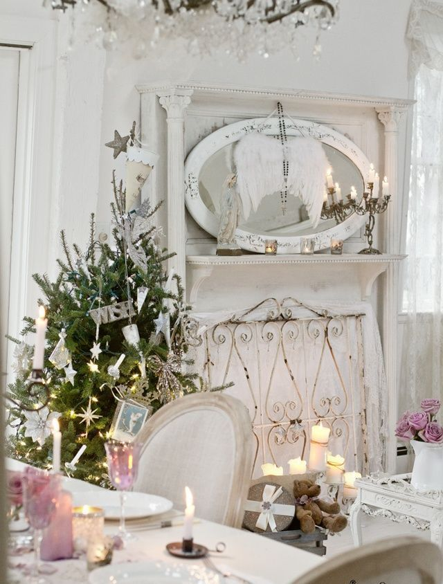 Shabby Chic Christmas Table Setting