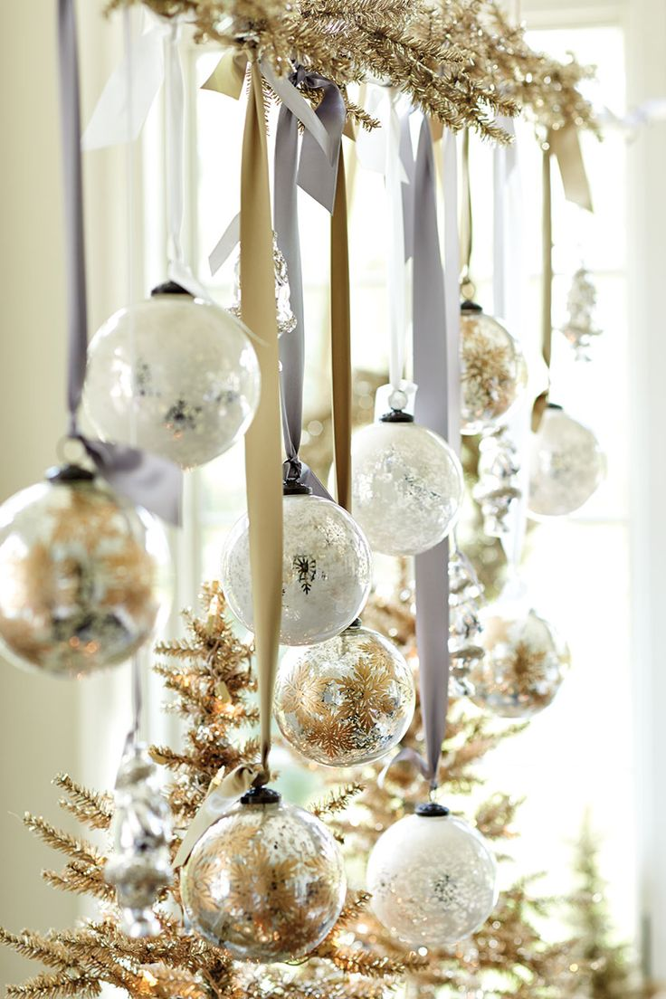 40 beautiful gold christmas decoration ideas for White and gold tree decorations