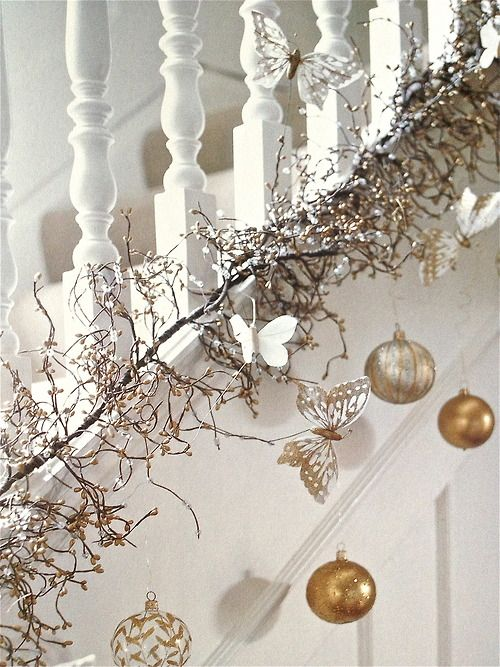 White and Gold Christmas Decorations Ideas
