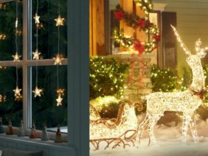 30 Beautiful Christmas Light Decoration Ideas