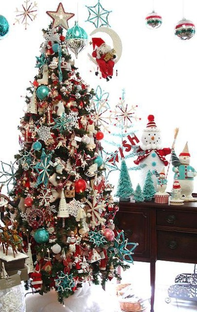 Red and Turquoise Christmas Tree Decorations