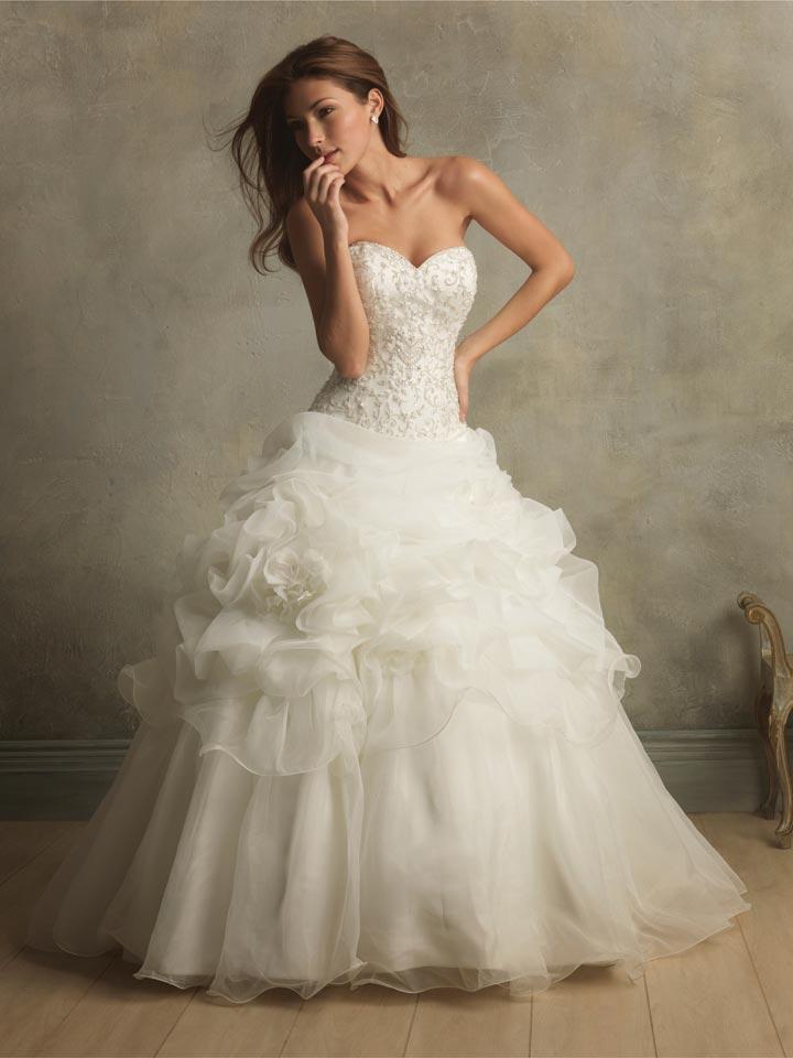 Stunning Vintage Wedding Dress Ideas Inspiredluv (15)