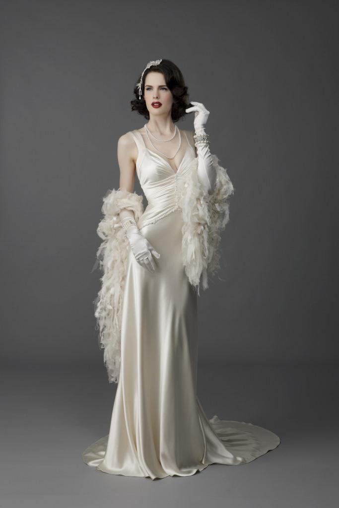 Stunning Vintage Wedding Dress Ideas Inspiredluv (16)
