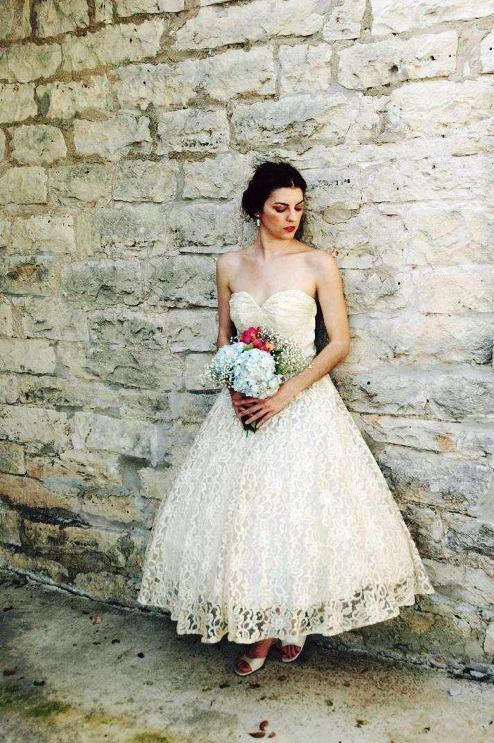 Stunning Vintage Wedding Dress Ideas Inspiredluv (9)