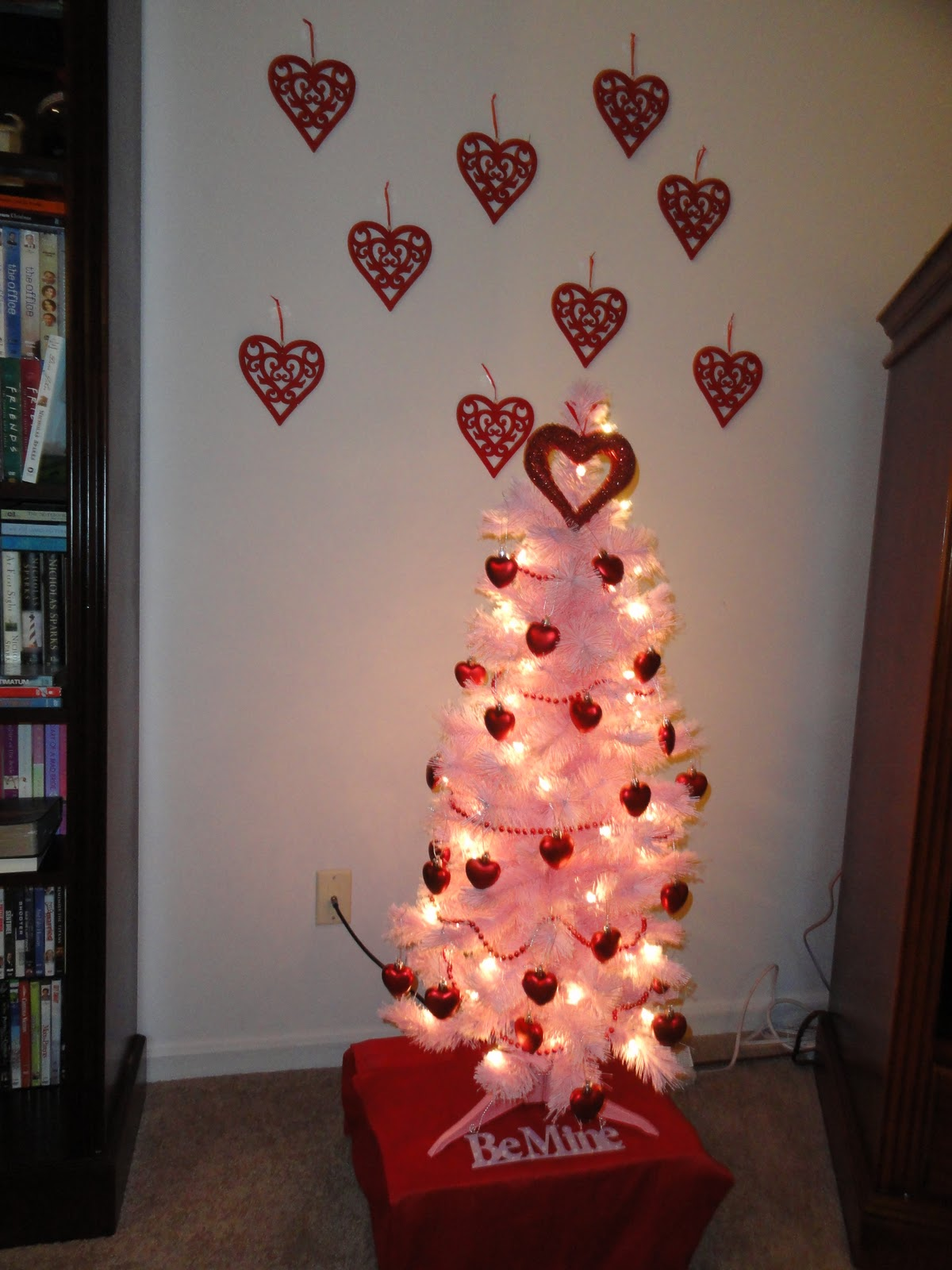 Red Valentine Home Decor Ideas inspiredluv (29)