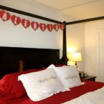 35 Romantic Red Valentine Home Decor Ideas