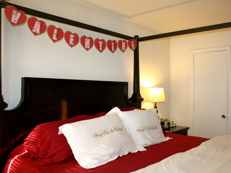 Red Valentine Home Decor Ideas inspiredluv (30)