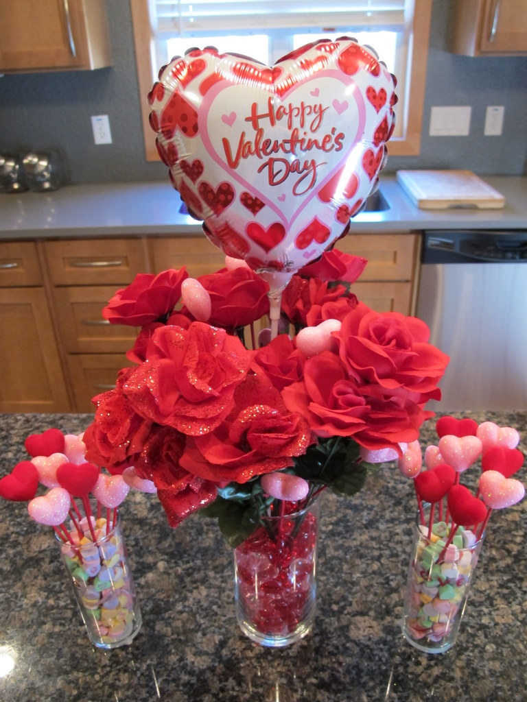Red Valentine Home Decor Ideas inspiredluv (31)