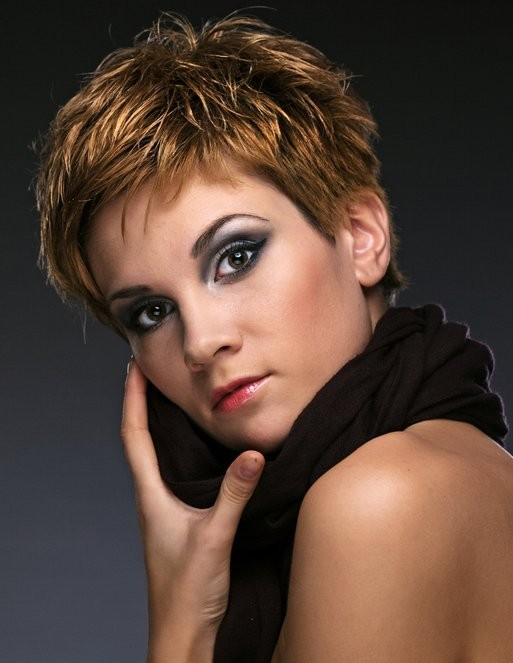 Amazing Short Hairstyles For Women (17)