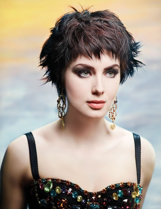 Amazing Short Hairstyles For Women (18)