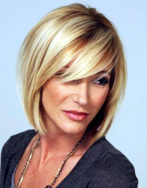 Best Hairstyles For Women Over 50 (10)