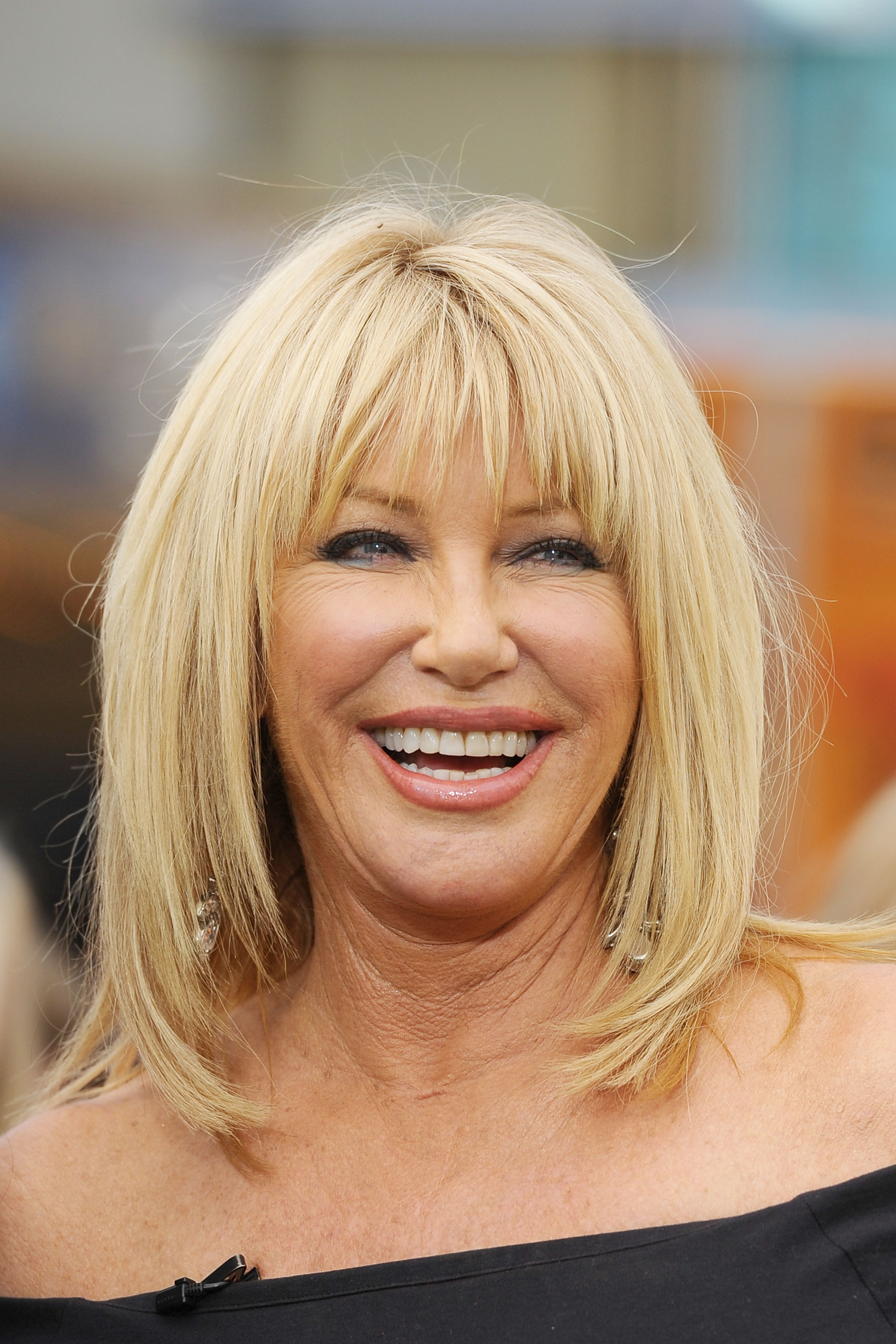 Best Hairstyles For Women Over 50 (13)