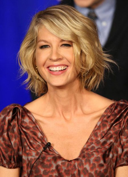 Best Hairstyles For Women Over 50 (19)