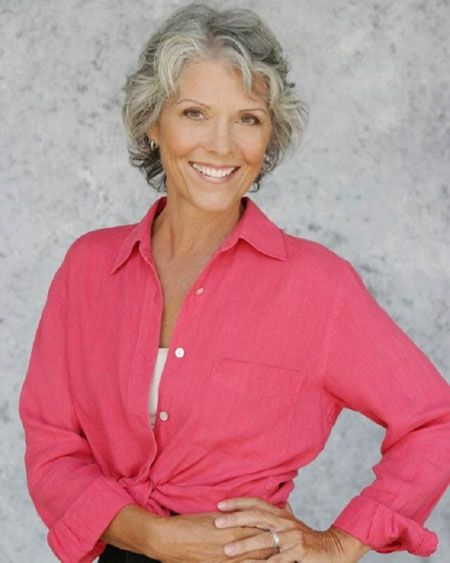 Best Hairstyles For Women Over 50 (21)