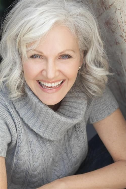Best Hairstyles For Women Over 50 (22)