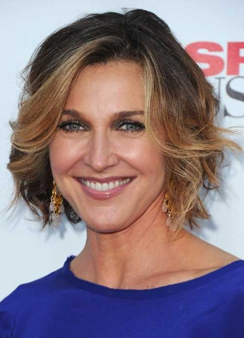 Best Hairstyles For Women Over 50 (29)