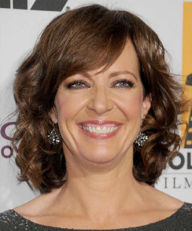 Best Hairstyles For Women Over 50 (33)