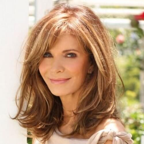 Best Hairstyles For Women Over 50 (37)