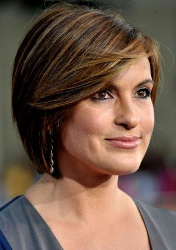 Best Hairstyles For Women Over 50 (39)