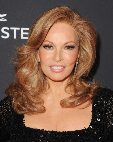 Best Hairstyles For Women Over 50 (40)