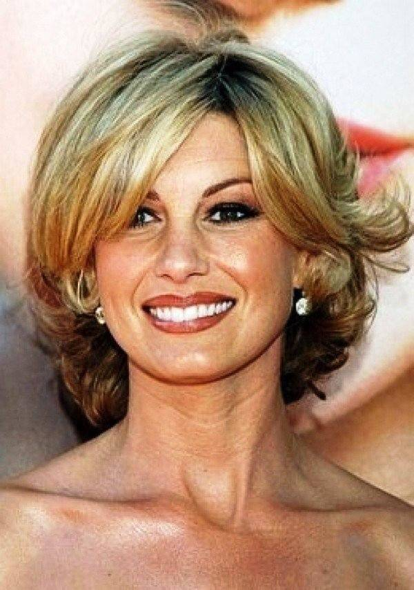 Best Hairstyles For Women Over 50 (8)