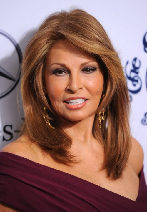 Best Hairstyles For Women Over 50 (9)