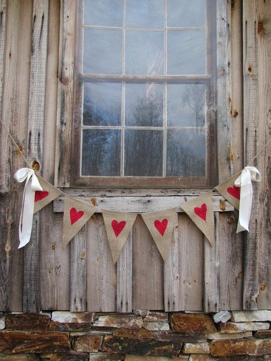 Outdoor Valentine Decor Ideas (18)