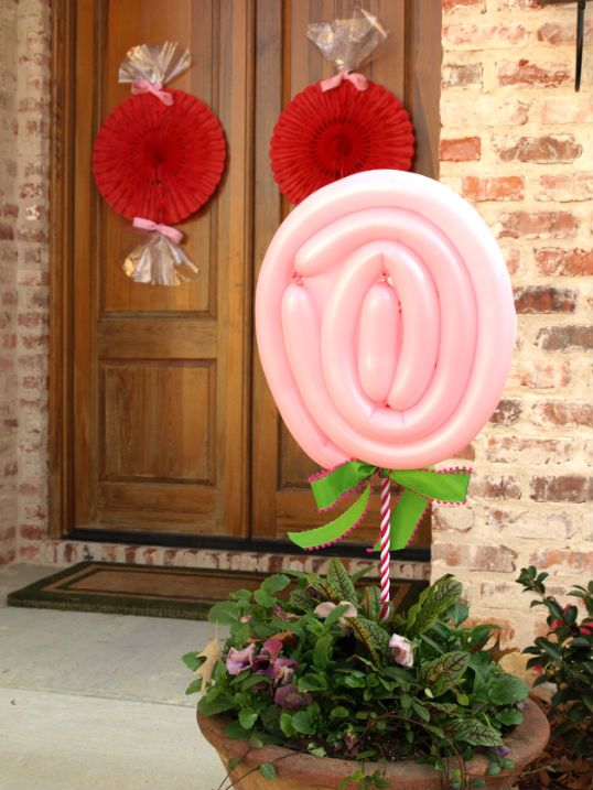 Outdoor Valentine Decor Ideas (24)