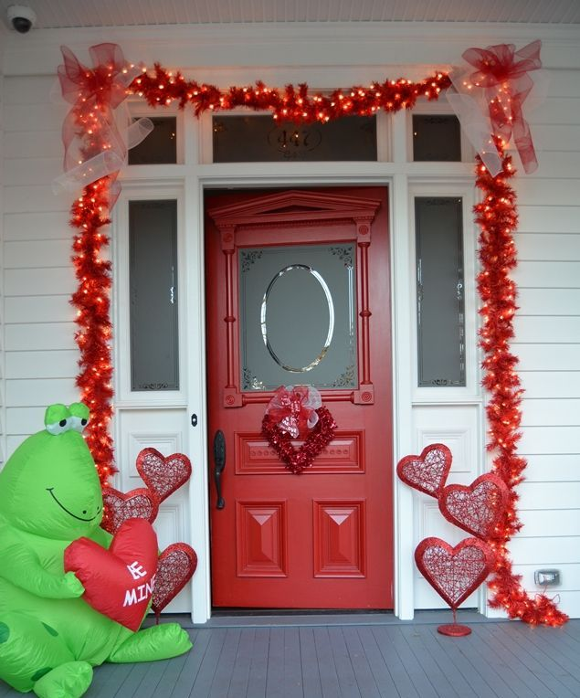 Outdoor Valentine Decor Ideas (28)