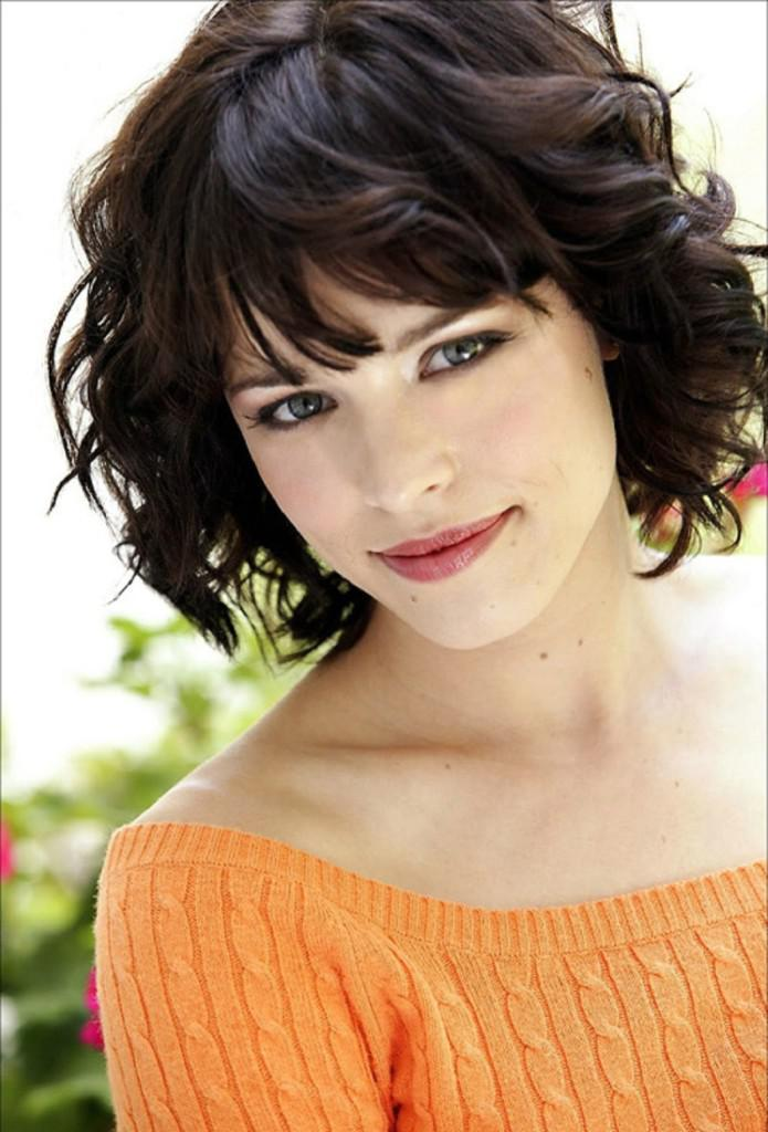 Short Hairstyles For Thick Hair inspiredluv (12)