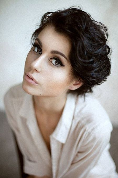 Short Hairstyles For Thick Hair inspiredluv (47)