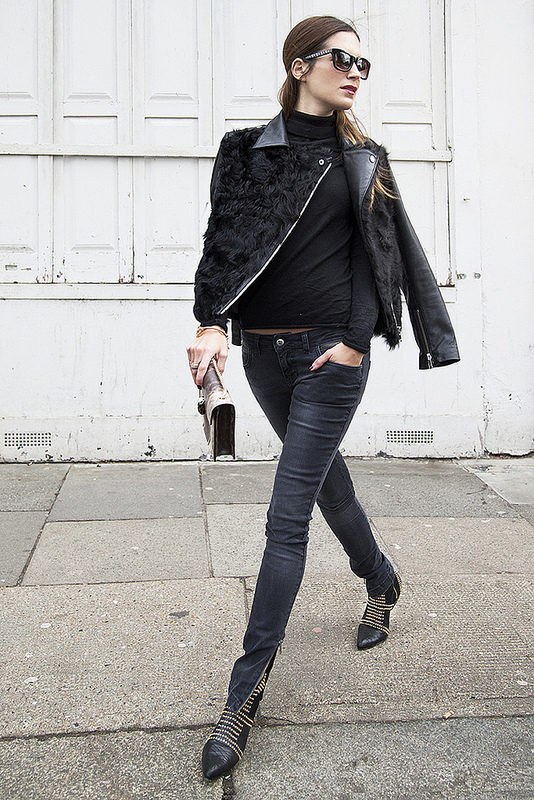 Trendy Black Jeans Outfits (8)